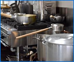 飲食店・レストランでの急な移転や閉店に伴う厨房機器の片づけ・買取、ゴミの処分